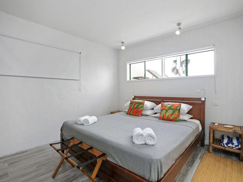 Port Douglas Penthouse Suite - Port Douglas Accomm, vacation rental in Whyanbeel