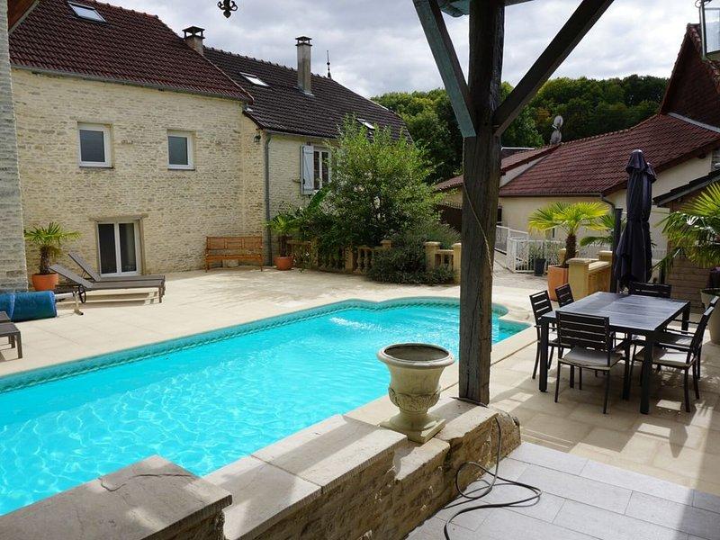 Gîte avec piscine privé et sauna, casa vacanza a Orges