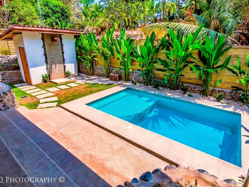 OUTDOOR LIVING!!!- Private 2 Bedroom Villa with Pool, Privacy, & Nature, location de vacances à Esterillos Este