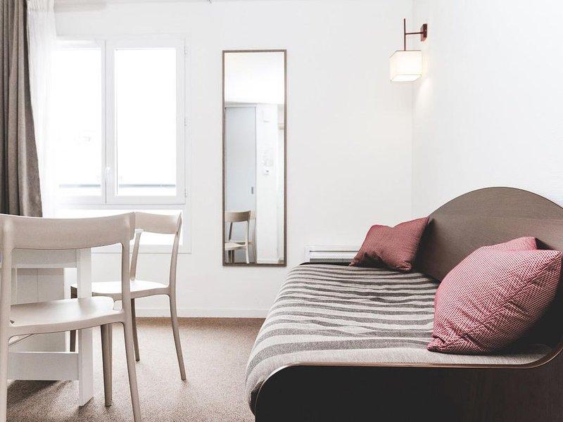 Terres de France - Appart'Hotel Quimper - 2 Pièces 4 Personnes, vacation rental in Quimper