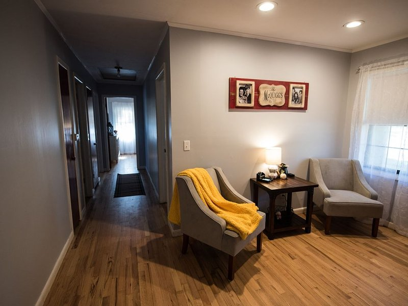 Comfortable Home near Casinos and NEO., holiday rental in Fairland