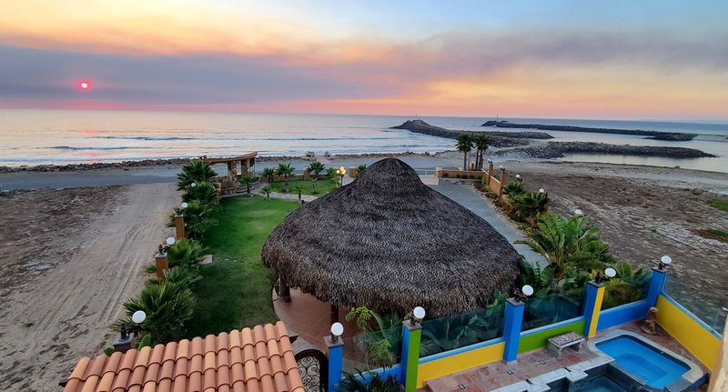 5 bedrooms Beachfront, Pool,Spa  grassy yard, secure drive in Parking Priceless!, holiday rental in Ensenada Municipality