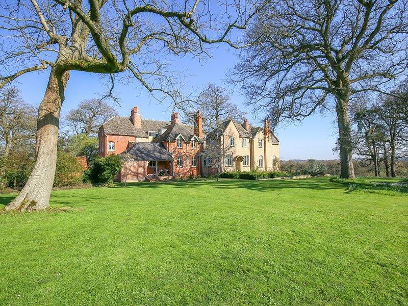 Hatton's Lodge, MALMESBURY, holiday rental in Swindon
