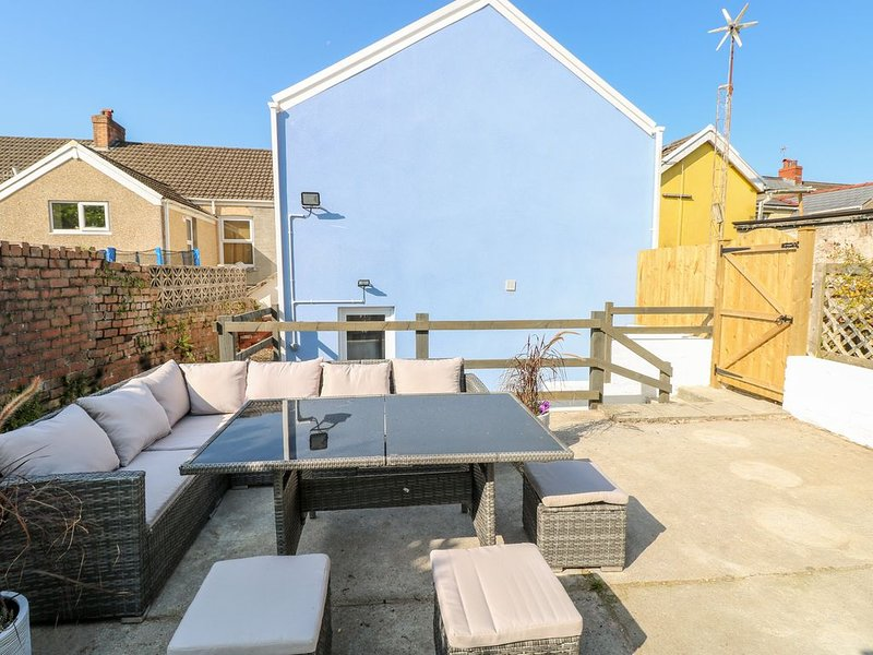 Siop y Rock, CWMGORS, holiday rental in Tycroes