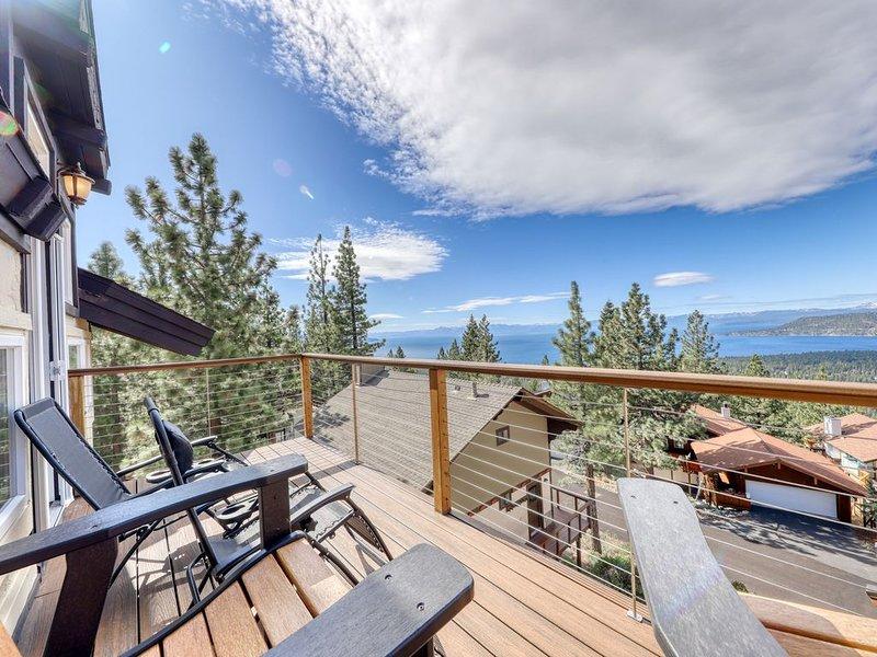 Modern home w/ gorgeous lake views, 4 decks & 2 fireplaces - dogs OK near ski!, holiday rental in Carson City