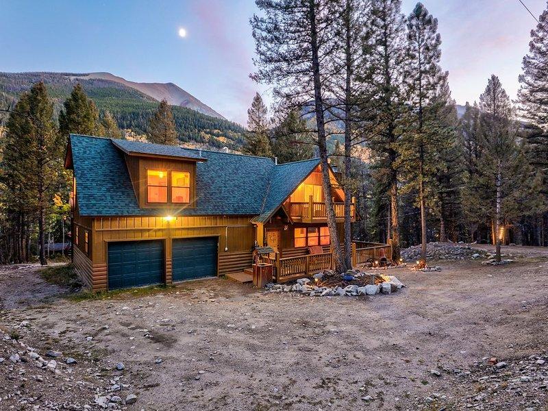 Alpine Cabin near Historic St. Elmo, casa vacanza a Nathrop