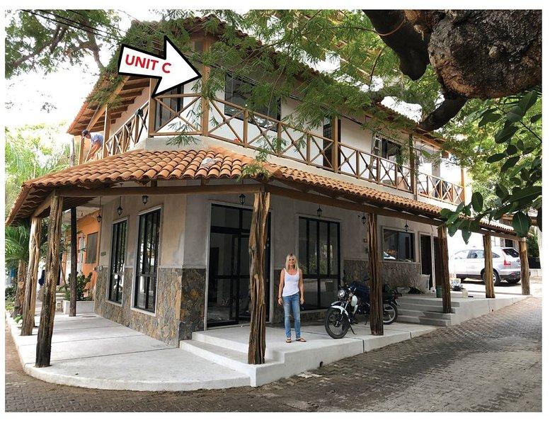 Best Unit in triplex! #20 Calle Sonora, Unit C, alquiler de vacaciones en Barra de Navidad