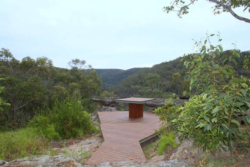 Large Mountain Home Adjoining National Park, holiday rental in Kurrajong