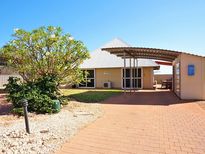 Luxurious 3 Bedroom Holiday Villa with a Pool in the Complex, holiday rental in Exmouth