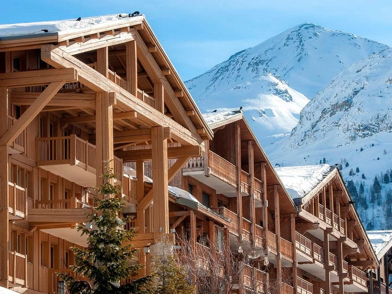 Studio au coeur de Val D'Isère ! Balcon/Terrasse + Casiers à ski, holiday rental in Val d'Isère