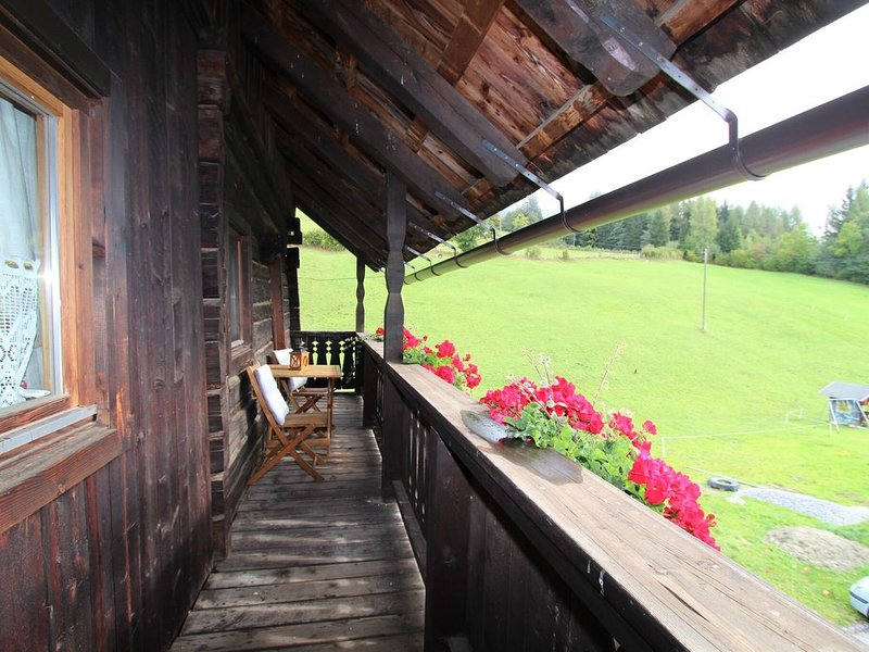 Lush Farmhouse in Fresach with Swimming Pool, holiday rental in Kreuzen