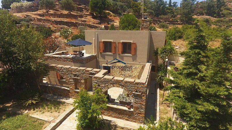 The Garden House only a 2 minute walk from the marina of Vourkari, holiday rental in Vourkari