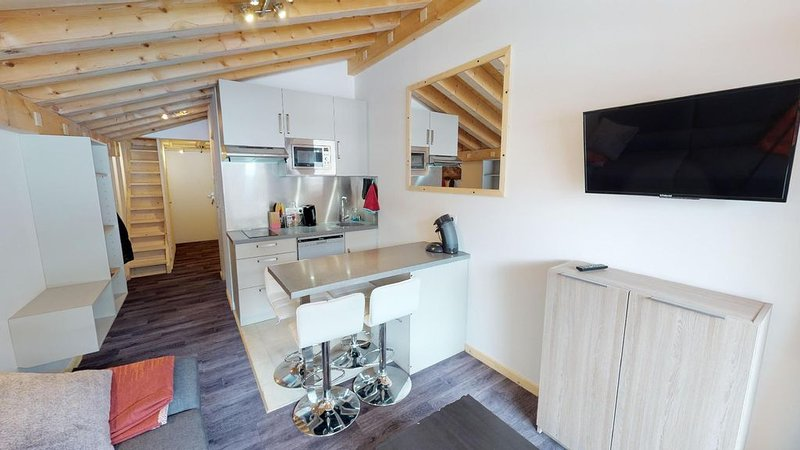 Appartement neuf 32m2 en duplex à 200m des pistes, holiday rental in Montvalezan