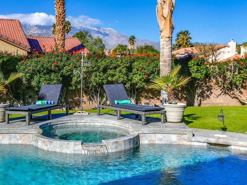 Fabulous Mountain Views!, holiday rental in Cathedral City