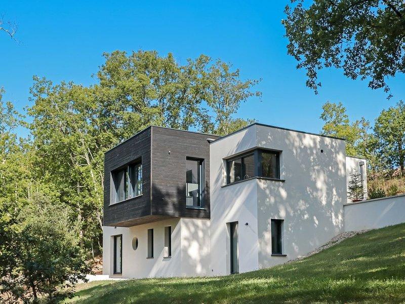 Villa Nakalta - contemporaine proche Sarlat - piscine chauffée, location de vacances à Lachapelle-Auzac