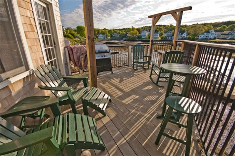 Year Round Luxury Waterfront Condo, Heart of Boothbay Harbor, aluguéis de temporada em Boothbay Harbor