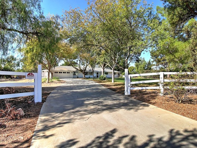 Country Ranch Style Home, holiday rental in Los Olivos