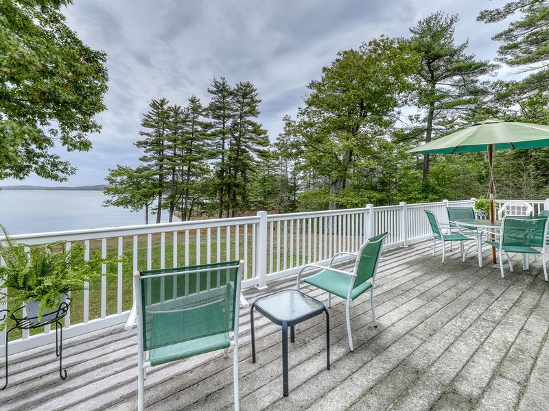 Waterfront home w/ gorgeous views, river access, firepit & large backyard!, vacation rental in Bowdoinham