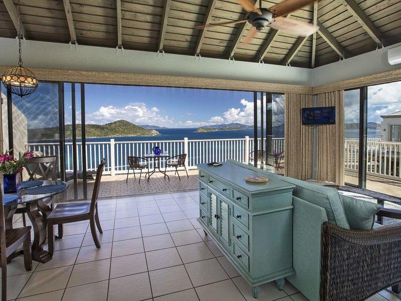 You just found your vacation home with breathtaking views! C'est Jolie D-27!, alquiler de vacaciones en Smith Bay