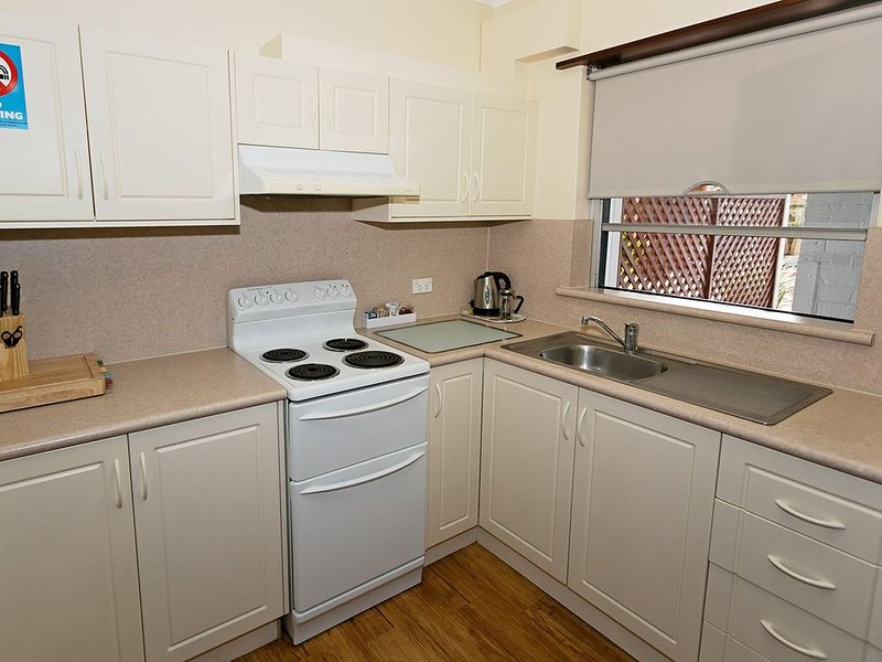 SELF CONTAINED-3 Bdrm Apartments, location de vacances à Kalgan