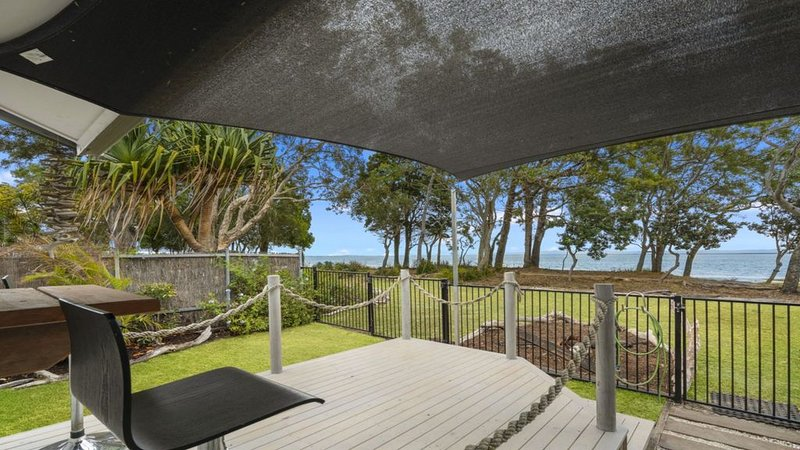 TIDAL DREAMS - ABSOLUTE BEACHFRONT COTTAGE, holiday rental in Bongaree