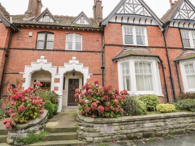 Spa Side Apartment, SCARBOROUGH, holiday rental in Crossgates