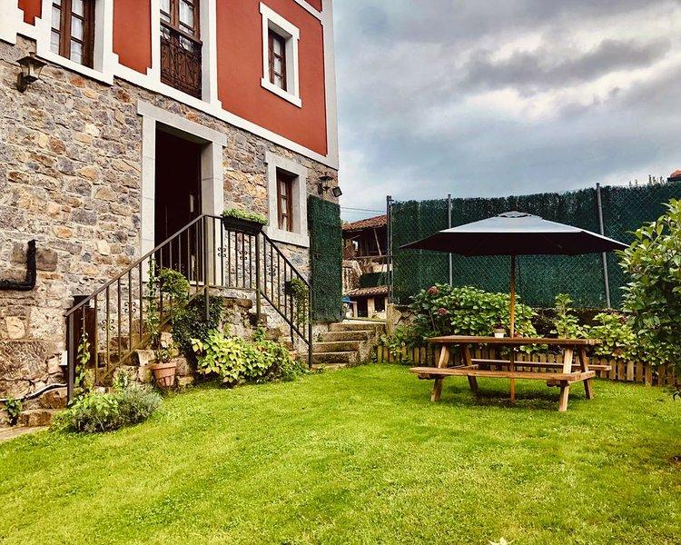 Casa cerezal �� casa de alquiler íntegro  para 6/7personas en  Cangas de Onis, holiday rental in Tornin