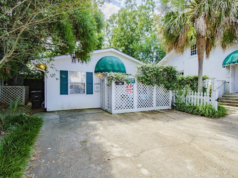 *Cottage in the center of Downtown Fairhope*, casa vacanza a Fairhope