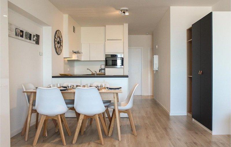 2 Zimmer Unterkunft in Oostende, holiday rental in Ostend