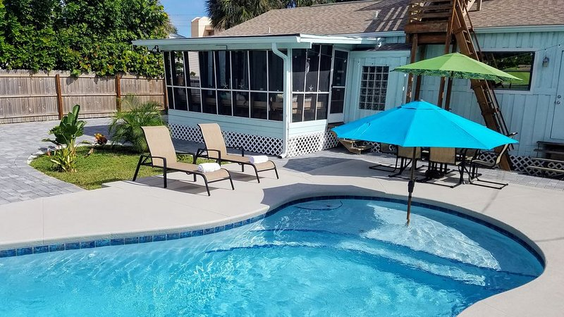 Beach Getaway with Ocean View, Pool, and Roof Deck, holiday rental in Cocoa Beach
