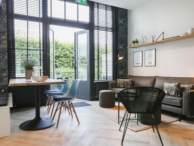 Stylish Holiday Home in Scheveningen with Balcony, vacation rental in Scheveningen