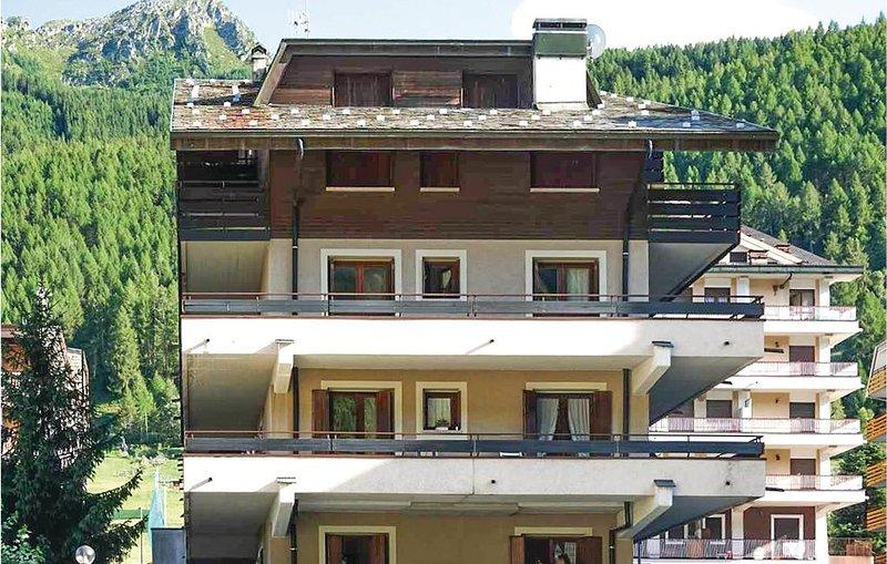 2 Zimmer Unterkunft in Aprica, holiday rental in Monno