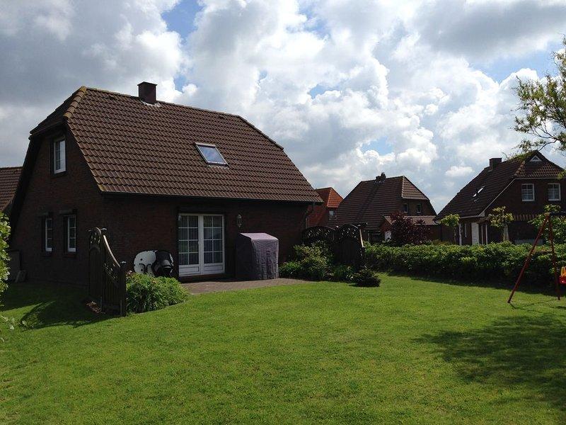 Pure Erholung! Familienfreundliches Ferienhaus mit großem Garten., holiday rental in Friedrichskoog