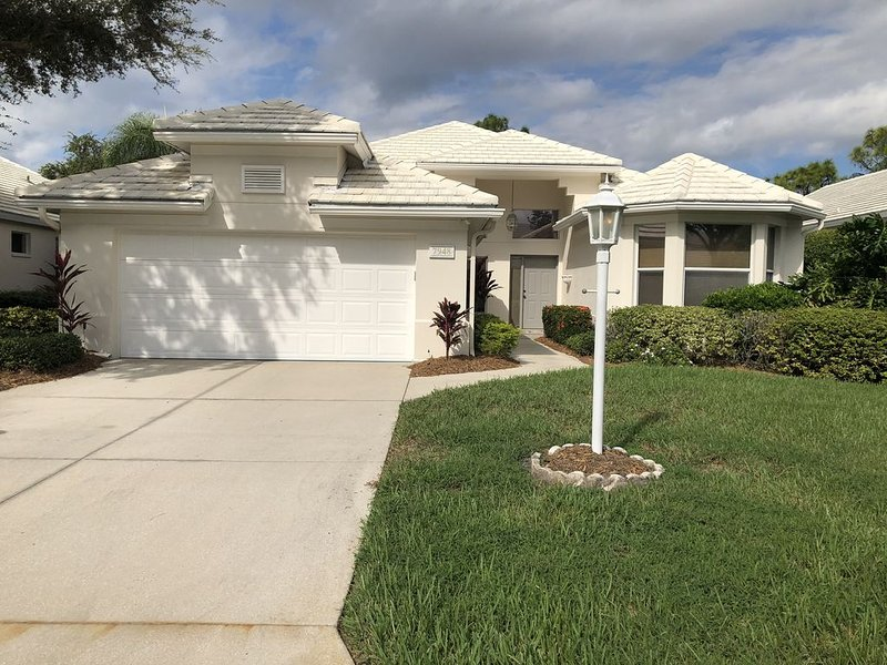 Exclusive University Park Country Club. Newly renovated., holiday rental in Braden River
