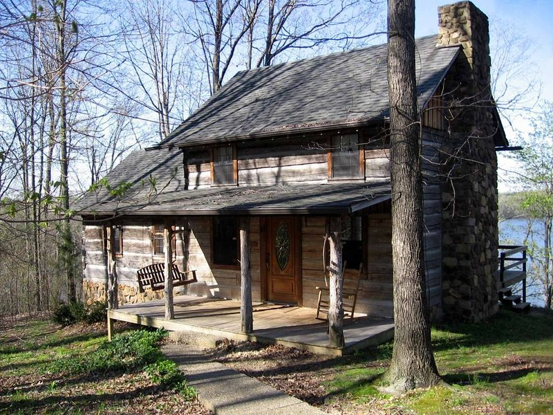 My Old Kentucky Hideaway-NO CLEANING FEES, holiday rental in Alvaton