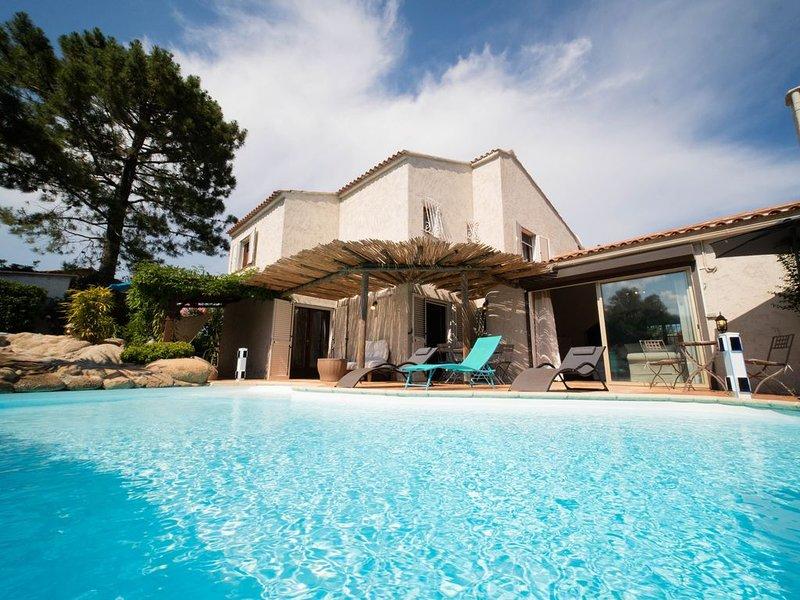 Villa de charme avec piscine privée et jacuzzi à proximité de Pinarello, alquiler de vacaciones en Sainte Lucie de Porto-Vecchio