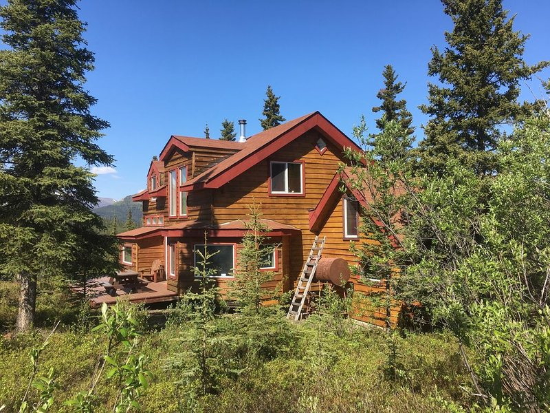 ☆ Denali Sunset House - Wild scenery with creature comforts!, vacation rental in McKinley Village