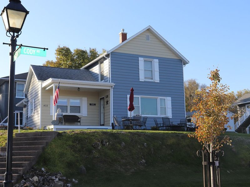 The LeClaire River Chateau, holiday rental in Camanche