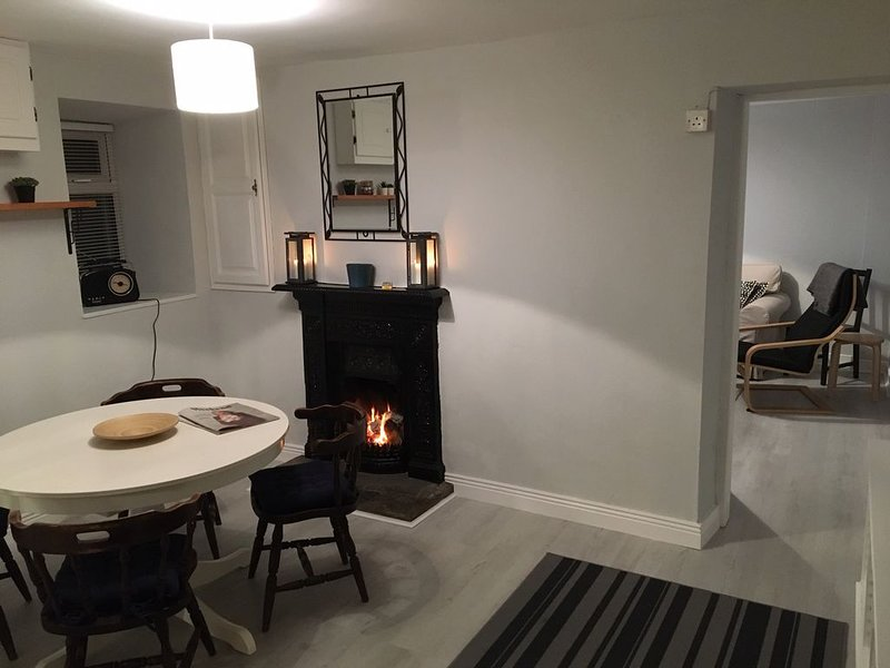 Healy Cottage in Eyeries Village, holiday rental in Castletownbere