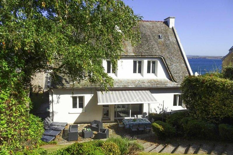 Ferienhaus, Douarnenez, vacation rental in Locronan