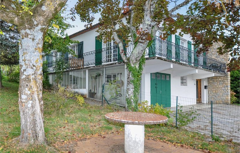 5 Zimmer Unterkunft in Puivert, alquiler vacacional en Belesta