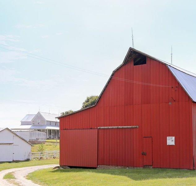 The Weber Farm - Enjoy a beautiful 100 acre farm!, holiday rental in Alto Pass