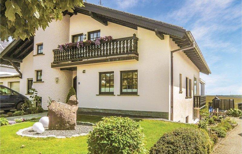 3 Zimmer Unterkunft in Karlshausen, casa vacanza a Koerperich
