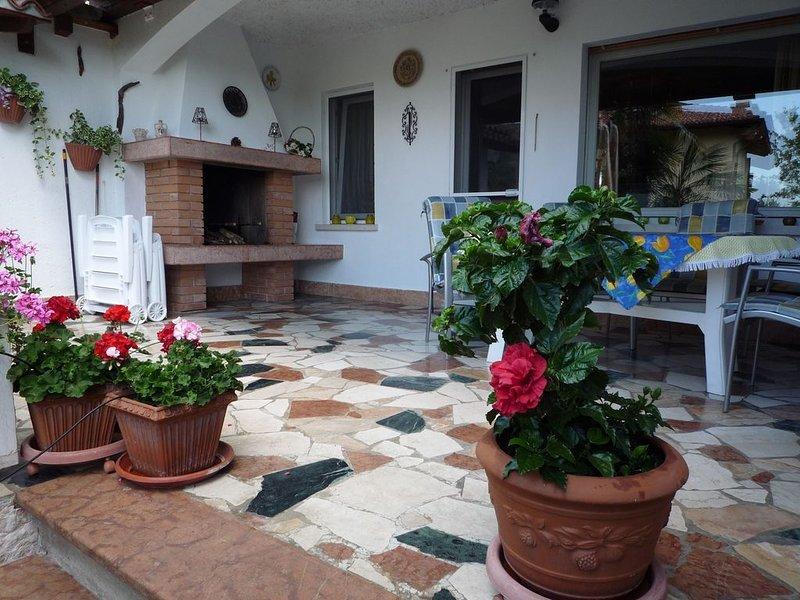 Casa Formica  adatta a famiglia e animali piccola media tagli           ., aluguéis de temporada em Cavaion Veronese