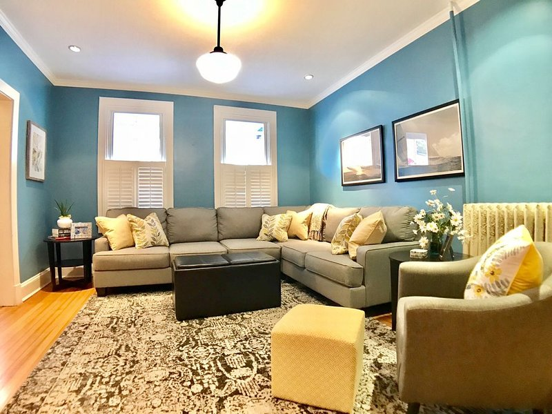 One of a kind renovation in the center of it all - THE BEST LOCATION DOWNTOWN !, vacation rental in Annapolis