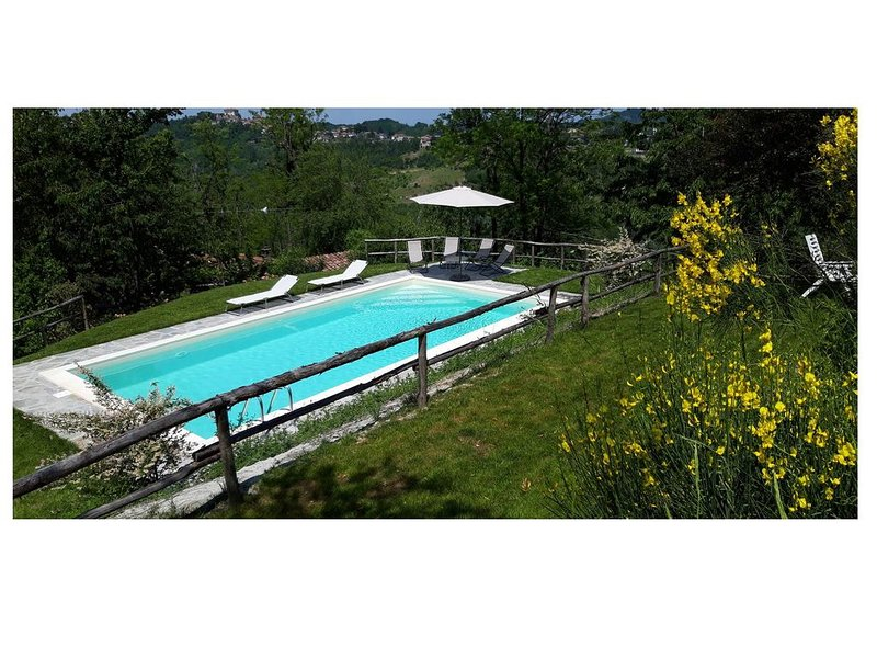 An enchanted countryhouse surrounded by the nature of Monferrato (in Gavi area), location de vacances à Montaldeo