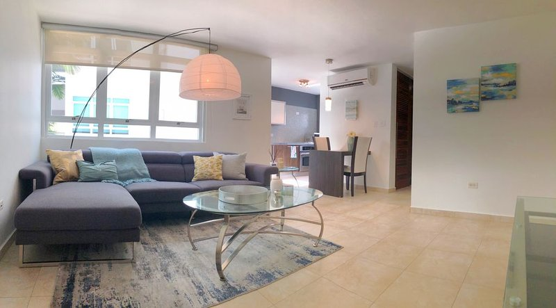 New Ocean Park Couples Retreat steps to the beach!, holiday rental in Santurce