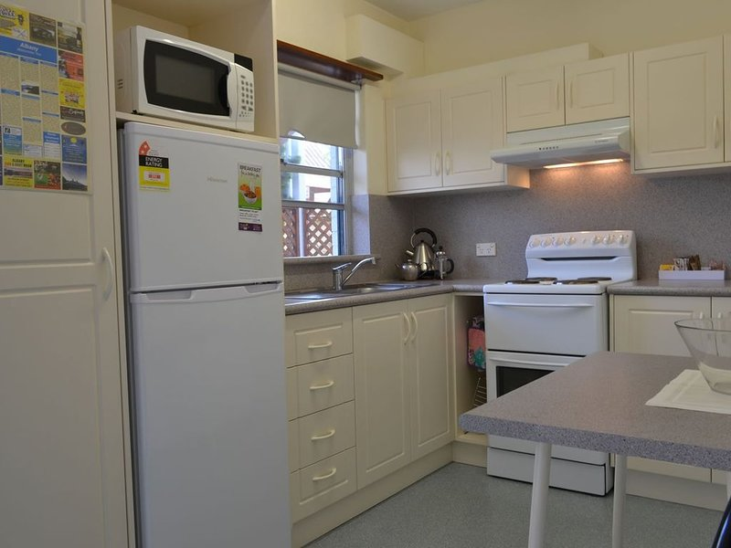 SELF CONTAINED-2 Bdrm Apartments, vacation rental in Albany