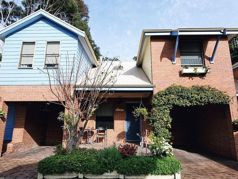 Villas- 2 or 3 bedroom, vacation rental in Albany