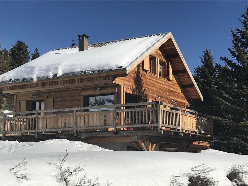 CHALET LE MONTEBELLO ENTIEREMENT RENOVE A 5 MINUTES DES PISTES, holiday rental in Val-des-Pres